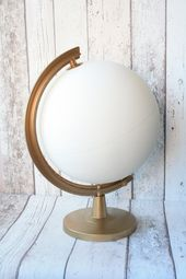 Wedding Guestbook Alternative Globe White and Gold | Choice of colors | Personalized lettering | Gold Stand | Painted by hand | Wedding decor  – Hochzeit