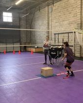 Blockout Volleyball Academy On Instagram One Of Our Favorite Drills For All Ages This Is Group Of Ms Girls Working On Back S Con Imagenes Voley Voleibol Educacion Fisica