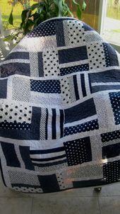 Baby Kinderzimmer Kinderbett Quilt (Boy) – Marineblau / Weiß – Modern – sofort lieferbar   – Blue and white quilts
