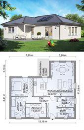 Bungalow Haus Architektur mit Walmdach & Holz Fass…