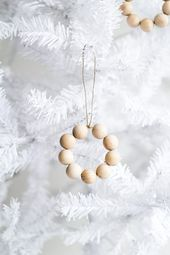 How to Make a Christmas Wreath Ornament from Wooden Beads