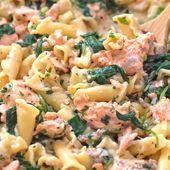 Ces pâtes crémeuses au saumon et aux épinards constituent un repas simple à un pot qui …   – Food Bloggers Central SHARING Board