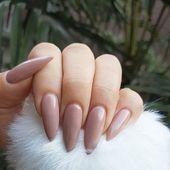 Wenn Sie kein heißer Fan von furchtlosen Stiletto-Nageldesigns sind, sind Mandelnägel hier … – Nail Ideas   – Nails Art