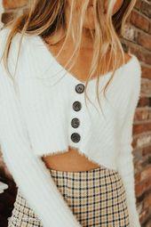 UO Rochelle Fuzzy Cropped Cardigan – Cloths i like
