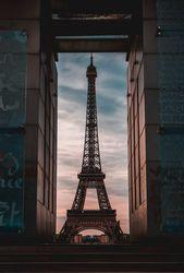 Die Bilder müssen nicht unbedingt sehr professionell sein. Unser Hochzeitsfoto …   – Paris