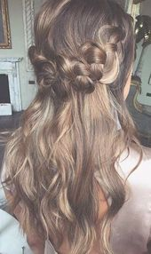 if you want to looking for homecoming hairstyles ideas here are the collection of best top 10 homecoming hairstyles to try these days, give you more e...