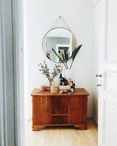 Hay Spiegel & Vintage Sideboard Instagram-Foto von h. erz.und.blut an