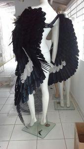 Dramatische Erwachsene Unisex Black White Feather Wings Große Theater Doppel-Wing Set Burning Man Kostüm Halloween Karneval Mardi Gras Zubehör