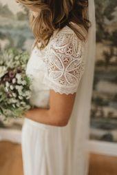 Braut in Laure de Sagazan – Rustikale französische Hochzeit im Chateau de Lartigolle mit …