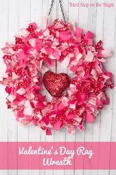 Dies ist ein einfach zu Valentinstag Kranz mit Stoffresten zu machen.   – Best Web Hosting