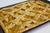 Besser als alles andere Peach Slab Pie – Mit diesem einfachen Pfirsichkuchenrezept können Sie …   – Sweet Treats