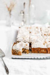 Diese einfache Karotten-Torte mit dekadentem Chai-Sahne-Zuckerguss ist perfekt für …   – Autumn