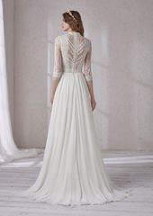 38 Perfect Winter Wedding Dresses That Will Make You Look Beautiful