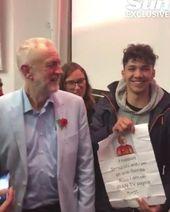 """Teenager überlistet Corbyn mit der Unterschrift """"Ich unterstütze Terroristen"""""""