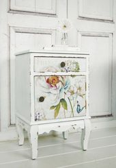 Vintage bedside table with flowers in shabby look, country …