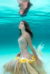 18 Lovely Ladies Who Take pleasure in Underwater Pictures – From Pinterest