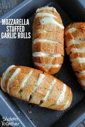 Mit gefrorenem Knoblauchkäse-Brot für diese Mozzarella-gefüllte Knobla …   – easy meals