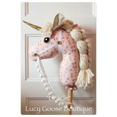 Pink and Gold Stick Unicorn – Stick Horse – Hobby Horse – Girl Unicorn Birthday Party Gift – Stick Pony – Toy Horse – Christmas Gift – ARTIGOS EM FELTRO