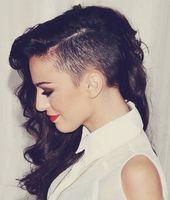 Lange Haare, rasierte Seiten