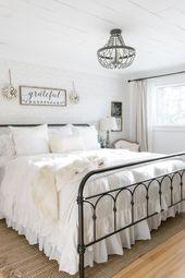 Simple Farmhouse Christmas Bedroom Decor  – Home Decor