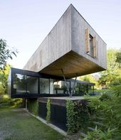 Moderne Freischwinger Haus Design vom Pariser Architekten