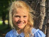 So schön strahlt Prinzessin Estelle an ihrem ersten Schultag – Prominente
