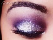 Deze look voor je ogen maak je zo: 1.Zet met een zwart oogpotlood een eyeliner b…
