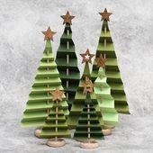 Weihnachtsbäume in gefaltetem Papier #rustikaleweihnachten Weihnachtsbäume in …