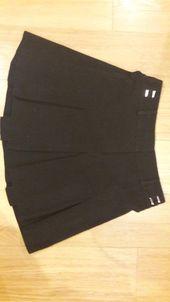 Jupe patineuse plissée noire T36   – VINTED
