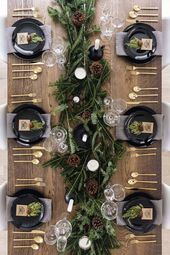 25+ Absolutely Gorgeous Centerpiece Ideas For Your Christmas Table