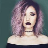Attraktive Lila Ombre Medium Synthetische Shaggy Natural Wave Capless Perücke Haar