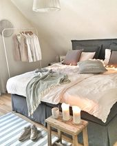 What a stool is all about! Here is the rustic wooden stool with …   – Lamp Schlafzimmer