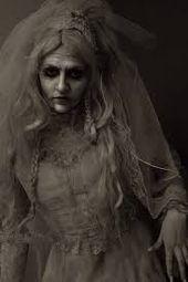 Miss Havisham – Google-Suche   – HALLOWEEN!!