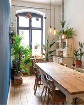 Wir wissen nicht, was wir mehr mögen – das Licht, die Vintage-Möbel, die Pflanzen … – Dekoration Selber Machen