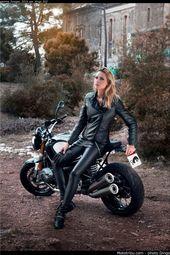Ziemlich viel Spaß hier draußen! Motorräder sind definitiv nicht nur für …   – women,motorcycles and guns