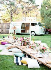 Gemütliche Tischdeko Garten mit Sitzkissen