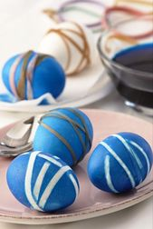 DIY Easter: Dying Eggs with Rubberbands