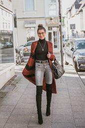 Long cardigan, jeans & black overknees