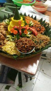 Madriga Catering 08118888653 0811 8888 653 Pesan Nasi Tumpeng Kuning Di Gambir Catering Makanan Nasi