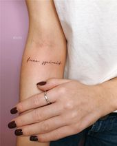 70+ Simple Arm Small Tattoos Designs und Ideen für 2019 #smalltattoos