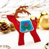 Felt Christmas Decorations Includes A Bear Bird And Trees Crafts Beautiful Magazine Fieltro Navidad Cosas De Navidad Navidad