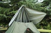 Det korsbara topplocket i ett varmt tält