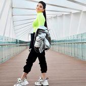 Narins Beauty On Instagram حبايبي ما بتتخيلوا اديه متحمسة للغنية و الفيديو كليب لسا ع م اشتغل عليها و بوعدكم ح تكو Fashion Girl Pictures Fashion Design