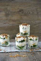 Brokkoli- Feta- Salat mit Knoblauchsoße – Vorspeisen