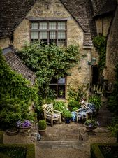"A place to sit, ""Calendars"", Burford"