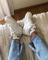 Afbeelding kan bevatten: schoenen   – fashion.
