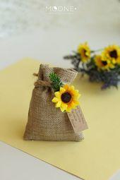 Set of 10 Personalized Sunflower Wedding Gift, Burlap Favor Bags, Rustic Wedding Burlap Bags Favor