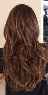 brunette avec longs cheveux balayage fille - Coloration Chocolat Caramel