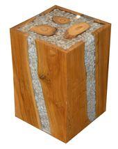 Holzhocker mit Steinen und Harz.   – Epoxy Furnitures