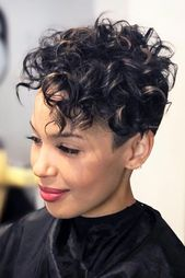 Curly Pixie With Undercut #shorthaircuts #shorthaircutsforgirls #curlyhair #pixiecut #undercut